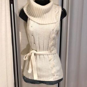 Ivory sleeveless fold over  sweater tunic top S